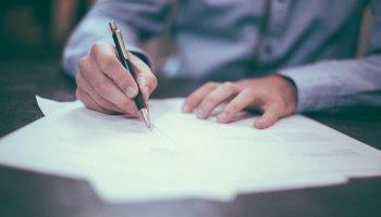 離婚協議書の書き方と文例|効果を高める公正証書にする方法